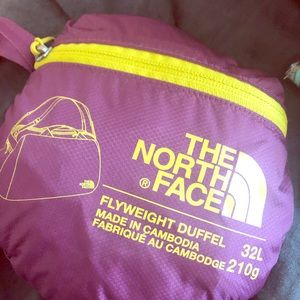 The North Face flyweight duffel NWT$55